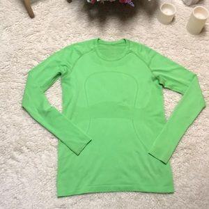 Lululemon swiftly tech long sleeve shirt - EUC! 10